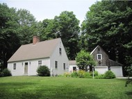 43 Moulton Ridge Rd Kensington NH, 03833