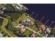 6450 River Club Ct North Fort Myers FL, 33917