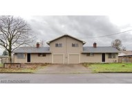 2081 L St Springfield OR, 97477