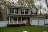 250 Clay Pitts Rd East Northport NY, 11731
