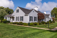 2555 Youngs Ave 1e Southold NY, 11971