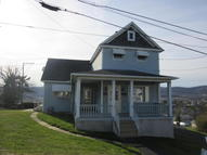 205 Phillips St Throop PA, 18512