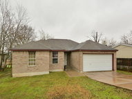 422 Willow Ave Luling TX, 78648