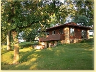 557 Ferndale Rd Mineral Point WI, 53565