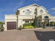 27 Oak Neck Ln West Islip NY, 11795