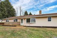 135 Old Stonehouse Road S Harrisburg PA, 17105