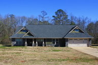 23 Isbell Rd Fort Mitchell AL, 36856