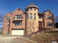 26 Sunview Dr Glen Cove NY, 11542