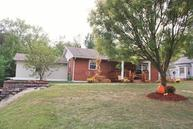 211 Division St Higbee MO, 65257
