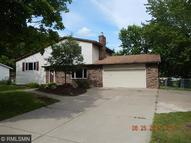 1637 Hinton Trail N Oakdale MN, 55128
