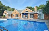 11 Old Fields Ln Quogue NY, 11959