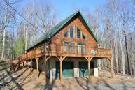 137 Tuckermans Ravine Tafton PA, 18464