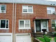 86-15 256th St Floral Park NY, 11001