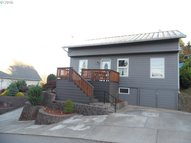93744 Adams Ln Coos Bay OR, 97420