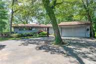 27 Parkway Dr Roslyn Heights NY, 11577
