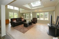 15 Sycamore Ln Roslyn Heights NY, 11577