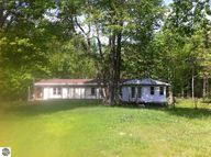17568 Lindy Road Thompsonville MI, 49683