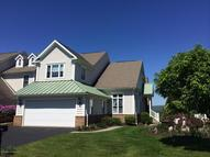 306 Thackeray Close Moosic PA, 18507