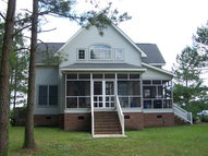 713 North Creek Dr Belhaven NC, 27810