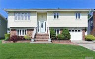 254 Cadman Ave West Babylon NY, 11704