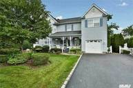 31 Belmont Ave Plainview NY, 11803