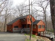 274 Water Forest Dr Dingmans Ferry PA, 18328