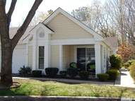 16 Douglaston Ct Ridge NY, 11961