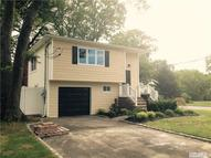 24 California Ave Bay Shore NY, 11706