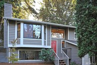 19348 35th Ave Ne Lake Forest Park WA, 98155