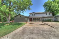 617 W 8th Avenue Bristow OK, 74010