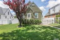 34-20 W Clearview Expy Bayside NY, 11361