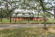 405 Winding Way Dr Hill Country Village TX, 78232