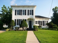 406 E Main St. Knoxville IL, 61448