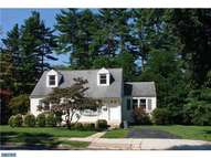12 Woodhill Rd Newtown Square PA, 19073