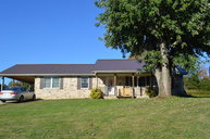 5438 Clay Co Hwy Celina TN, 38551