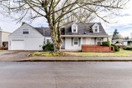 285 S 37th St Springfield OR, 97478