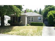 6026 Ne Multnomah St Portland OR, 97213