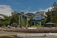 8809 Fauntleroy Way Sw Seattle WA, 98136
