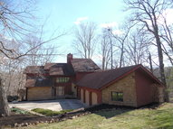 8236 N Maplewood Place West Terre Haute IN, 47885