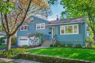 14 Riverview Dr W Montclair NJ, 07043