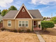 1137 Ne Galloway St Mcminnville OR, 97128