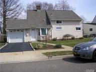 35 Topper Ln Levittown NY, 11756