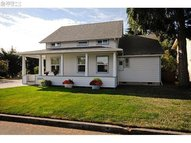 2305 F St Springfield OR, 97477