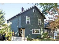 636 F St Springfield OR, 97477
