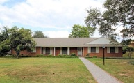 217 Kitchings Dr Clinton MS, 39056