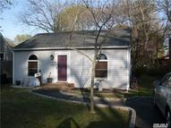 369 Mcconnell Ave Bayport NY, 11705
