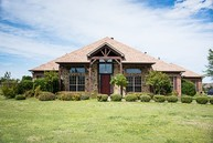 215 Green Meadow Ct Gunter TX, 75058