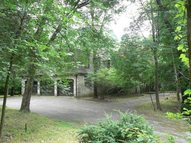 4 Holly Ln Poughkeepsie NY, 12603