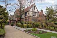 85 Tennis Pl Forest Hills NY, 11375