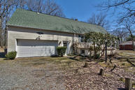 76 Old Lake Rd Jefferson Township PA, 18436